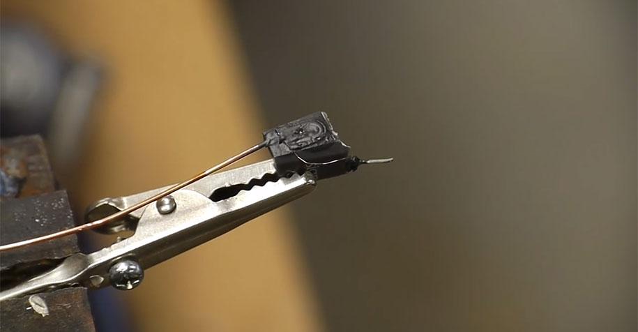 electron-microscope-slow-motion-vinyl-recording-ben-krasnow-1