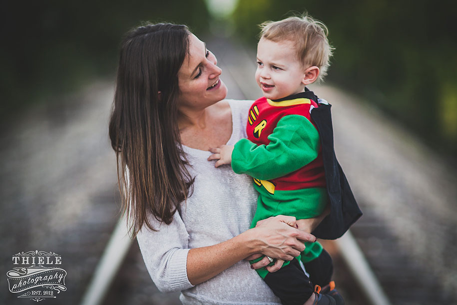 father-son-surprise-batman-robin-photoshoot-eric-thiele-14