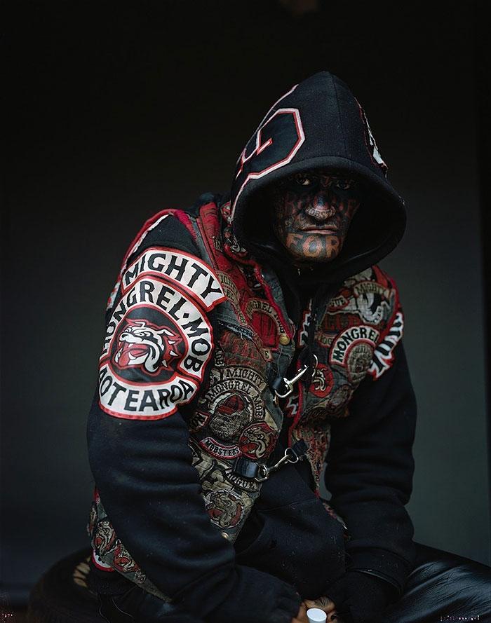 gang-member-portraits-mongrel-mob-jono-rotman-new-zealand-1