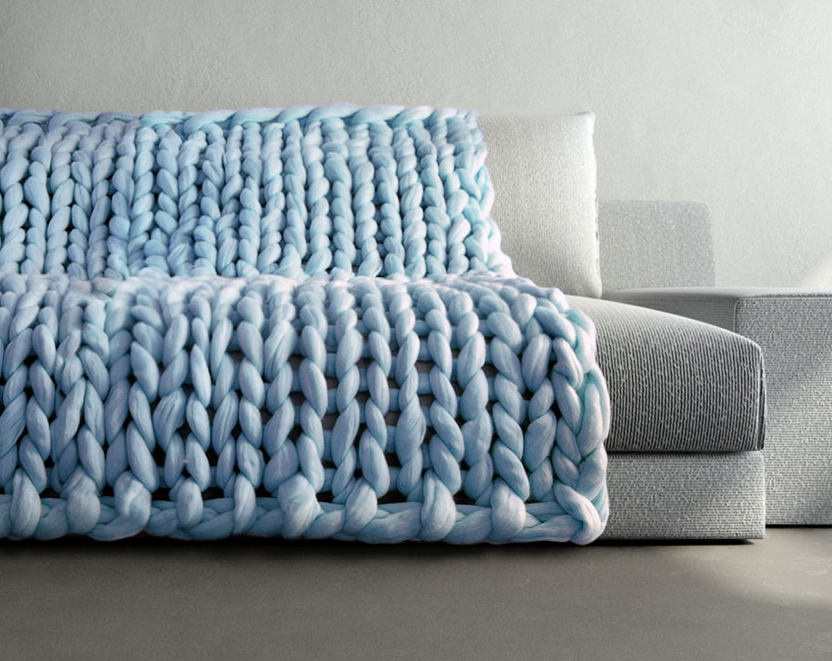 Giant Knitting Blankets : Chunky hand knit blankets for giants that also work humans