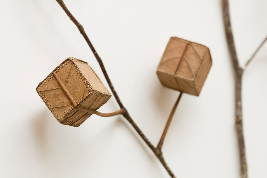 natural-art-leaves-crocheted-leaf-sculptures-susanna-bauer-2