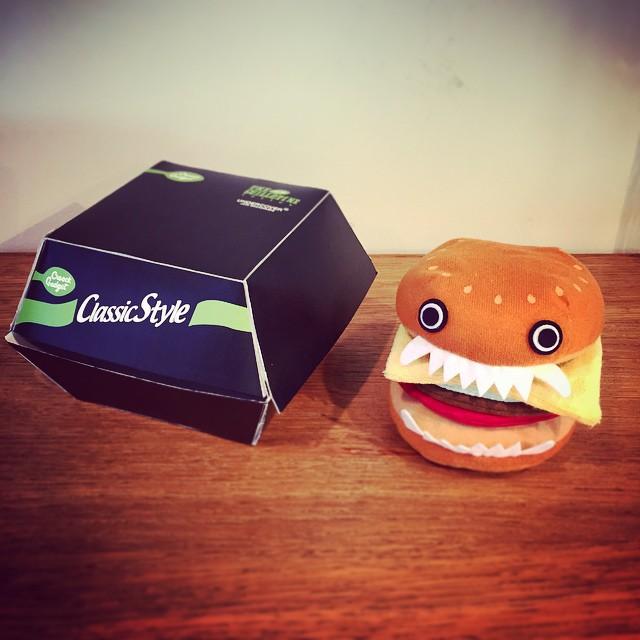 rerelease-scary-hamburger-lamp-jun-takahashi-undercover-1