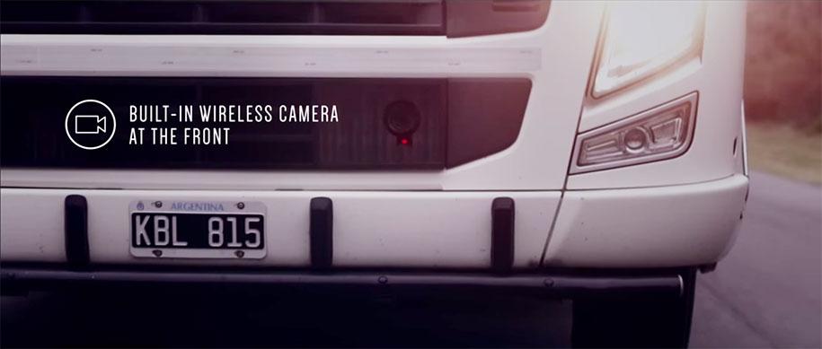 trailer-display-screen-safety-truck-samsung-2