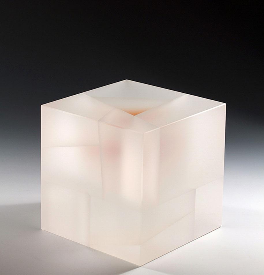 translucent-glass-sculptures-segmentation-jiyong-lee-12