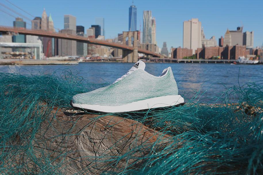 Adidas bikin sepatu dari jaring bekas...