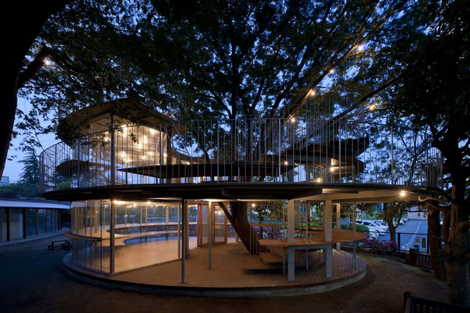 12 architects who build houses around trees instead of for Who invented houses