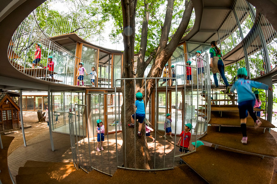 Kinder Garden: 12 Architects Who Build Houses Around Trees Instead Of