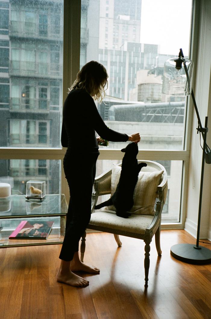 portrait-photography-girls-and-their-cats-brianne-wills-13