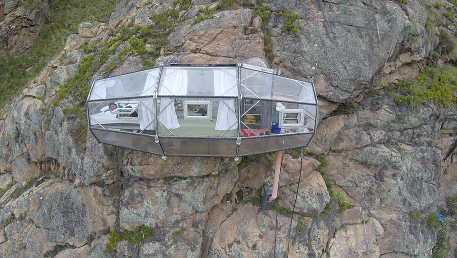 scary-suspended-see-through-pod-capsule-skylodge-hotel-peru-1