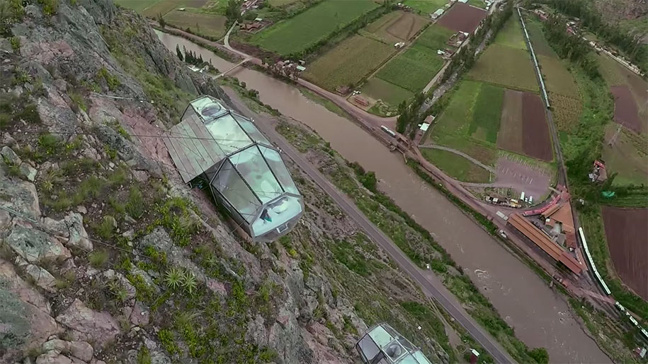 scary-suspended-see-through-pod-capsule-skylodge-hotel-peru-8