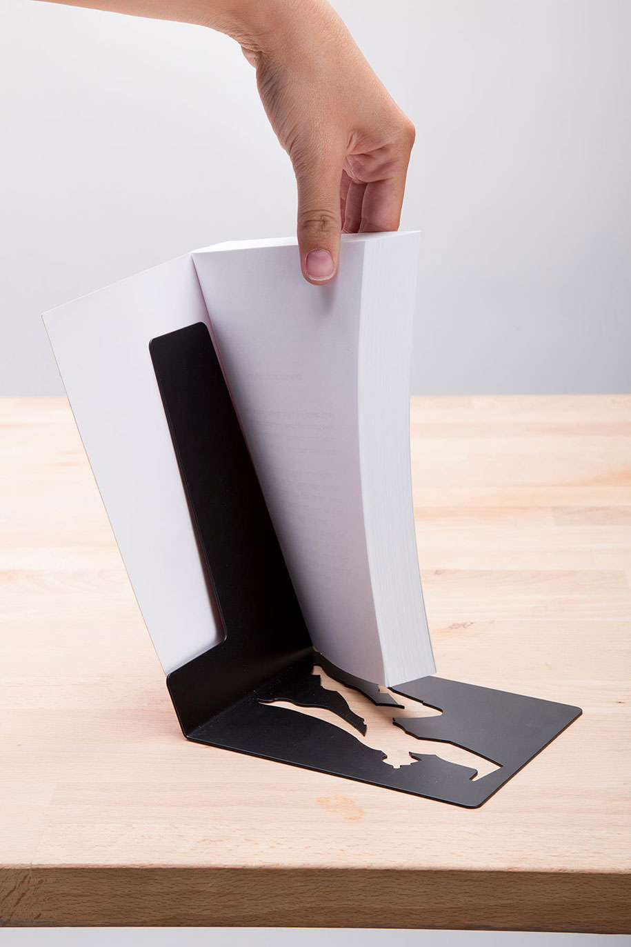 superhero-bookend-book-hero-supershelf-artori-design-2