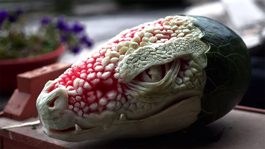 watermelon-carving-dragon-valeriano-fatica-italy-2