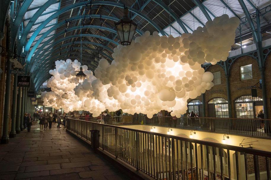 100000-balloons-covent-garden-heartbeat-charles-petillon-6