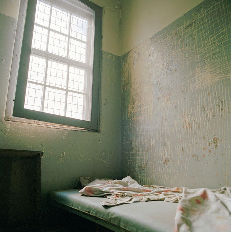 Creepy Photos Of Abandoned Mental Hospitals