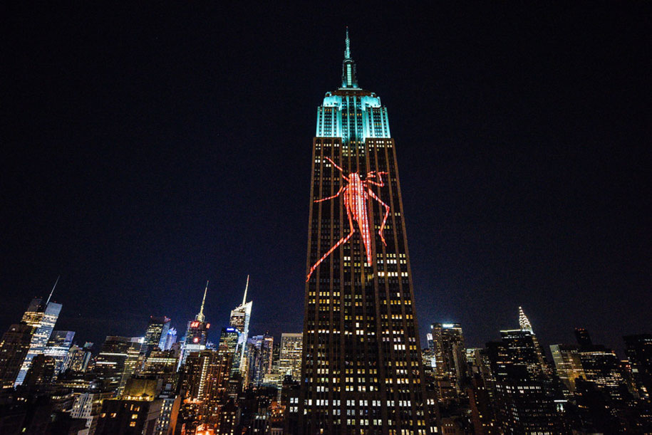 cecil-lion-endangered-species-projecting-change-empire-state-building-obscura-digital-24