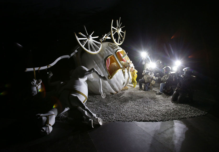 counter-culture-amusement-park-dismaland-bemusement-park-banksy-1