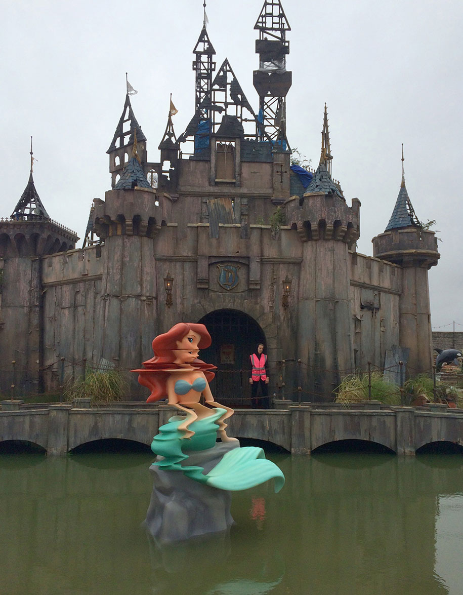 counter-culture-amusement-park-dismaland-bemusement-park-banksy-23