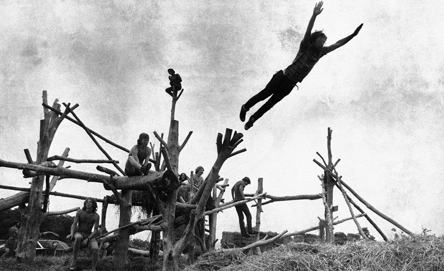 crazy-things-woodstock-festival-photography-8