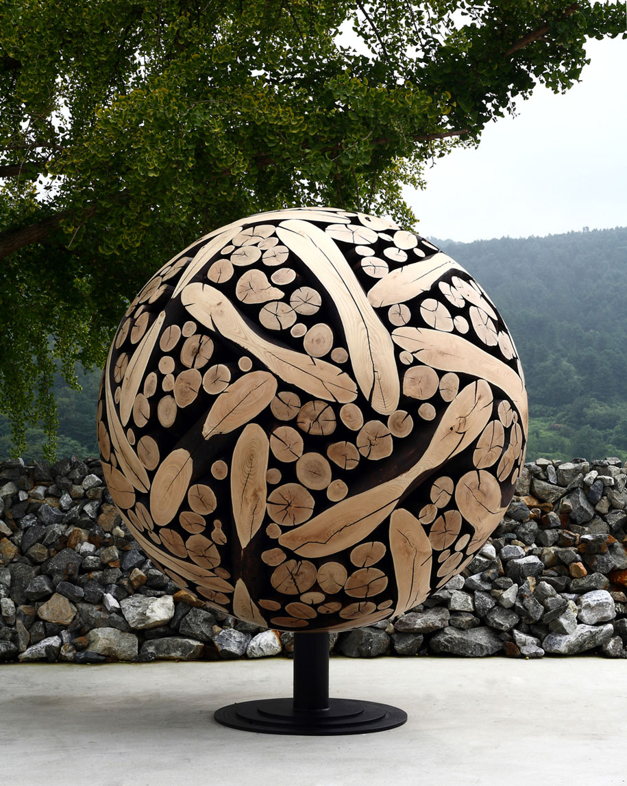 Korean artist turns discarded tree trunks and branches into art - Wooden art mobili ...