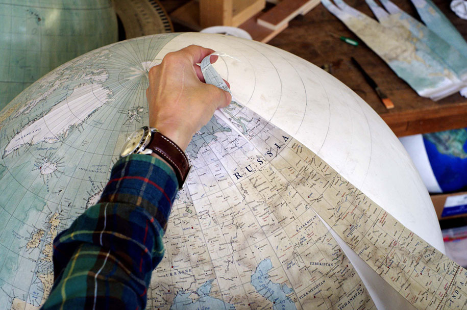 hand-made-classical-globes-peter-bellerby-globemakers-1