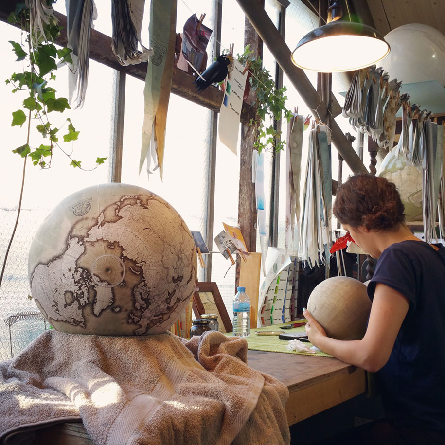 hand-made-classical-globes-peter-bellerby-globemakers-11