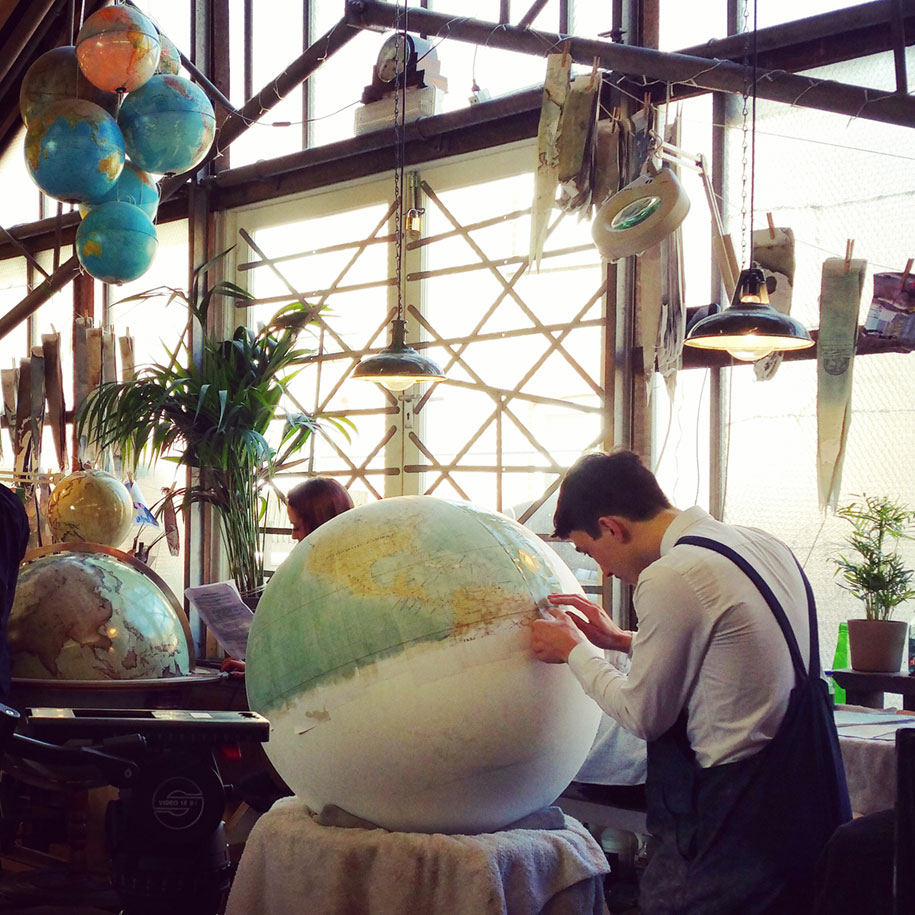 hand-made-classical-globes-peter-bellerby-globemakers-6