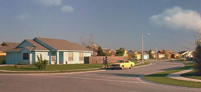 movie-locations-edward-scissorhands-suburb-now-then-pictures-voodrew-1