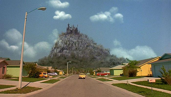 movie-locations-edward-scissorhands-suburb-now-then-pictures-voodrew-7