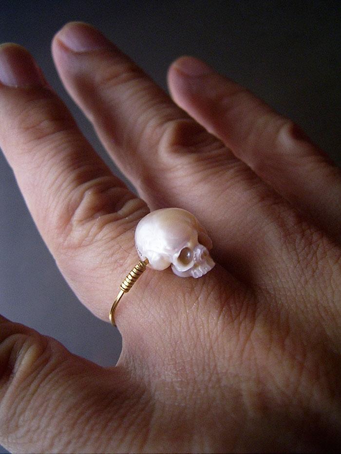 pearls-carved-skulls-shinji-nakaba-11
