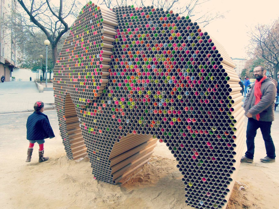 recycled-cardboard-tubes-elephant-dreams-weight-nituniyo-spain-6