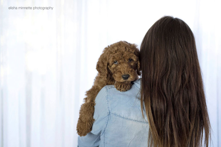 tired-baby-questions-dog-newborn-photoshoot-elisha-minnette-photography-11