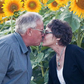 Single cancer survivors dating