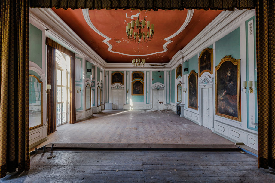 abandoned-decaying-buildings-europe-photography-christian-richter-15