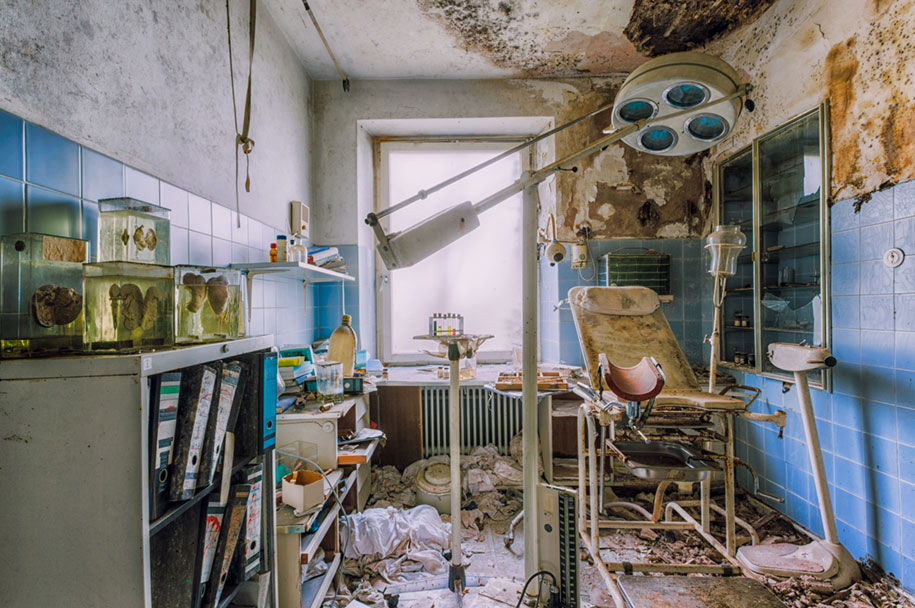 abandoned-decaying-buildings-europe-photography-christian-richter-21