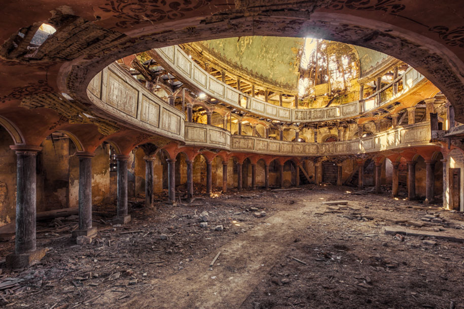 abandoned-decaying-buildings-europe-photography-christian-richter-23
