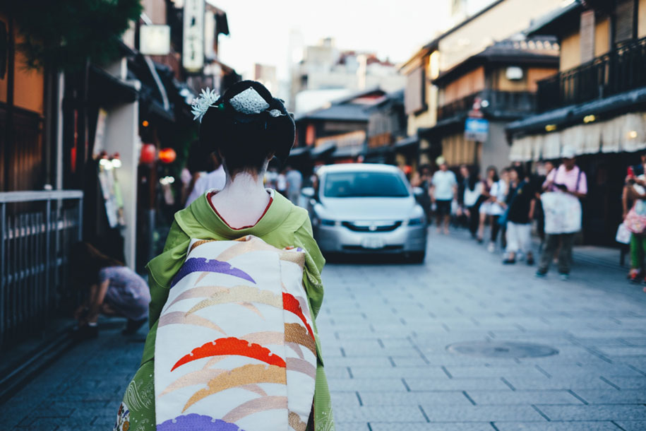 everyday-magic-street-photos-kyoto-takashi-yasui-japan-14