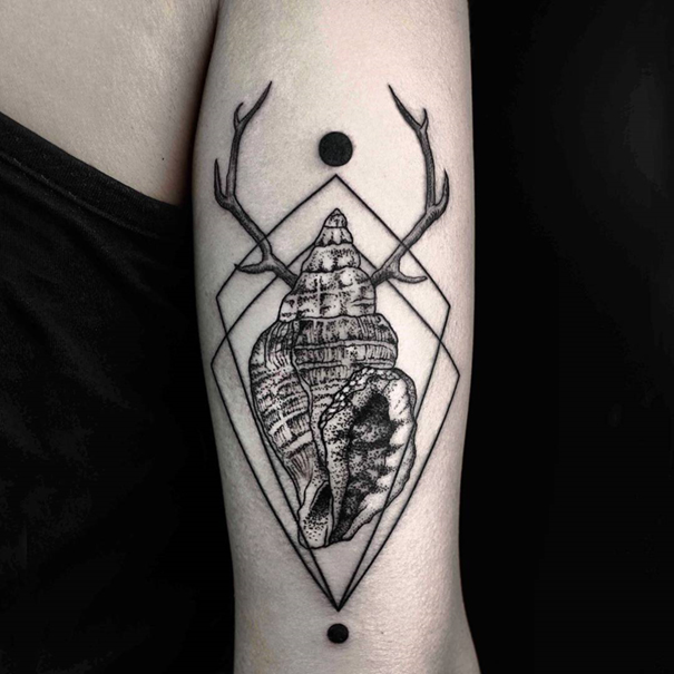 line-dot-black-white-animal-geometric-tattoos-okan-uckun-turkey-19