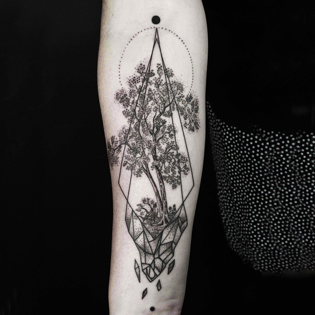 Lines And Dots Tattoo: Geometric Tattoos That Combine Fine Lines And Nature