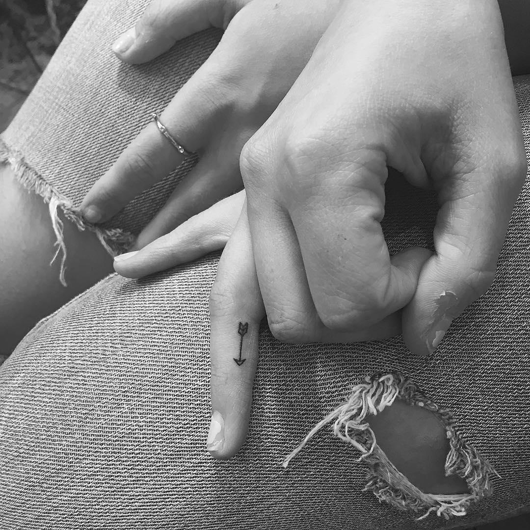 minimalist-tattoos-jonboy-new-york-12