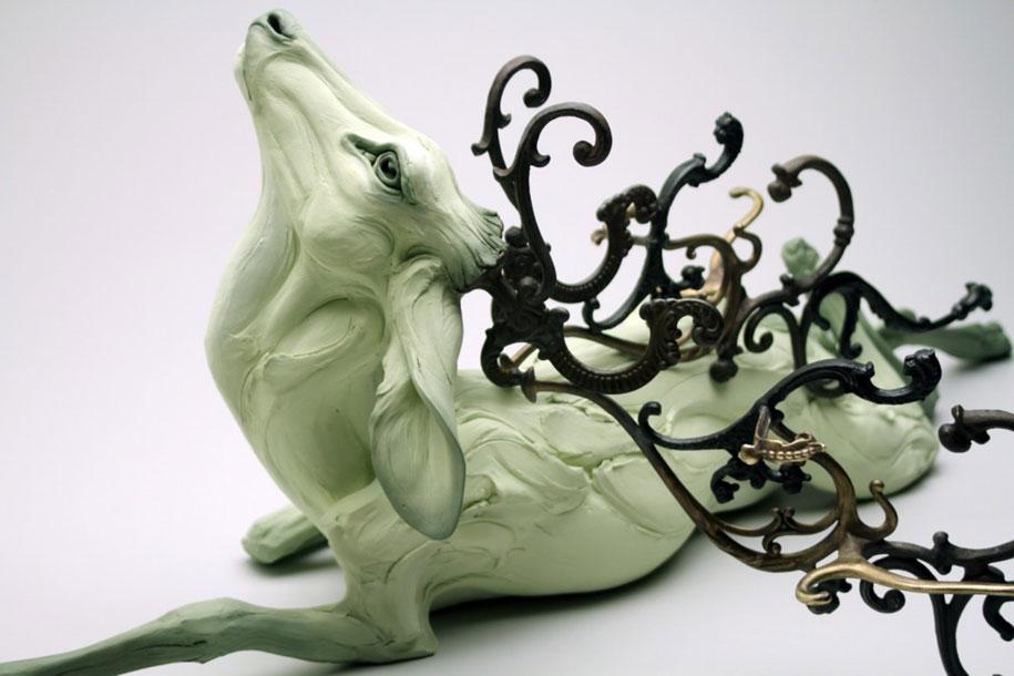 terrible-animal-sculptures-expressing-human-psychology-beth-cavener-stichter-4