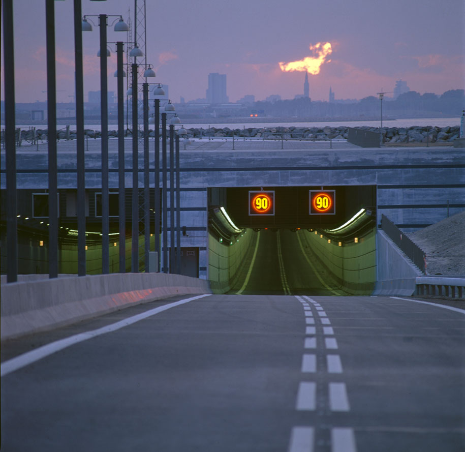 tunnel-bridge-artificial-island-oresund-link-sweden-denmark-22