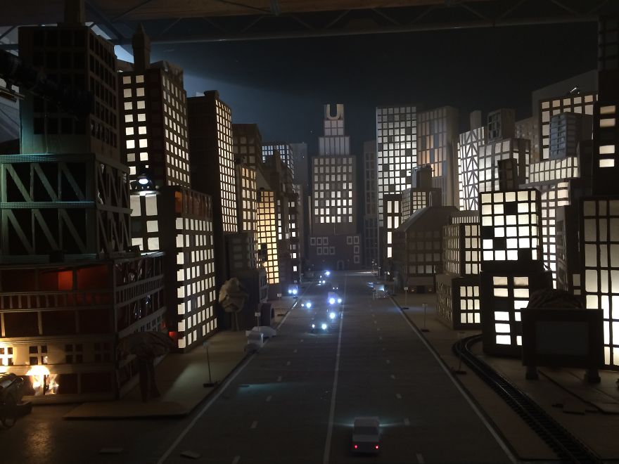 City Made Of Cardboard Boxes Demilked
