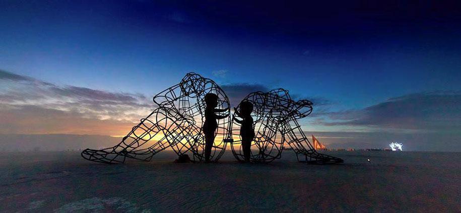 ukrainian-sculpture-burning-man-love-alexander-milov-4