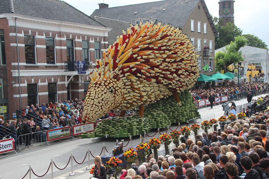 van-gogh-inspired-dahlia-bloom-parade-floads-bloemencorso-zundert-netherlands-11