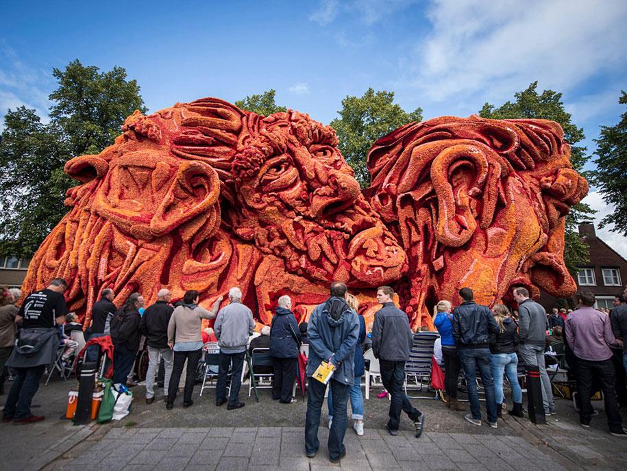 van-gogh-inspired-dahlia-bloom-parade-floads-bloemencorso-zundert-netherlands-18