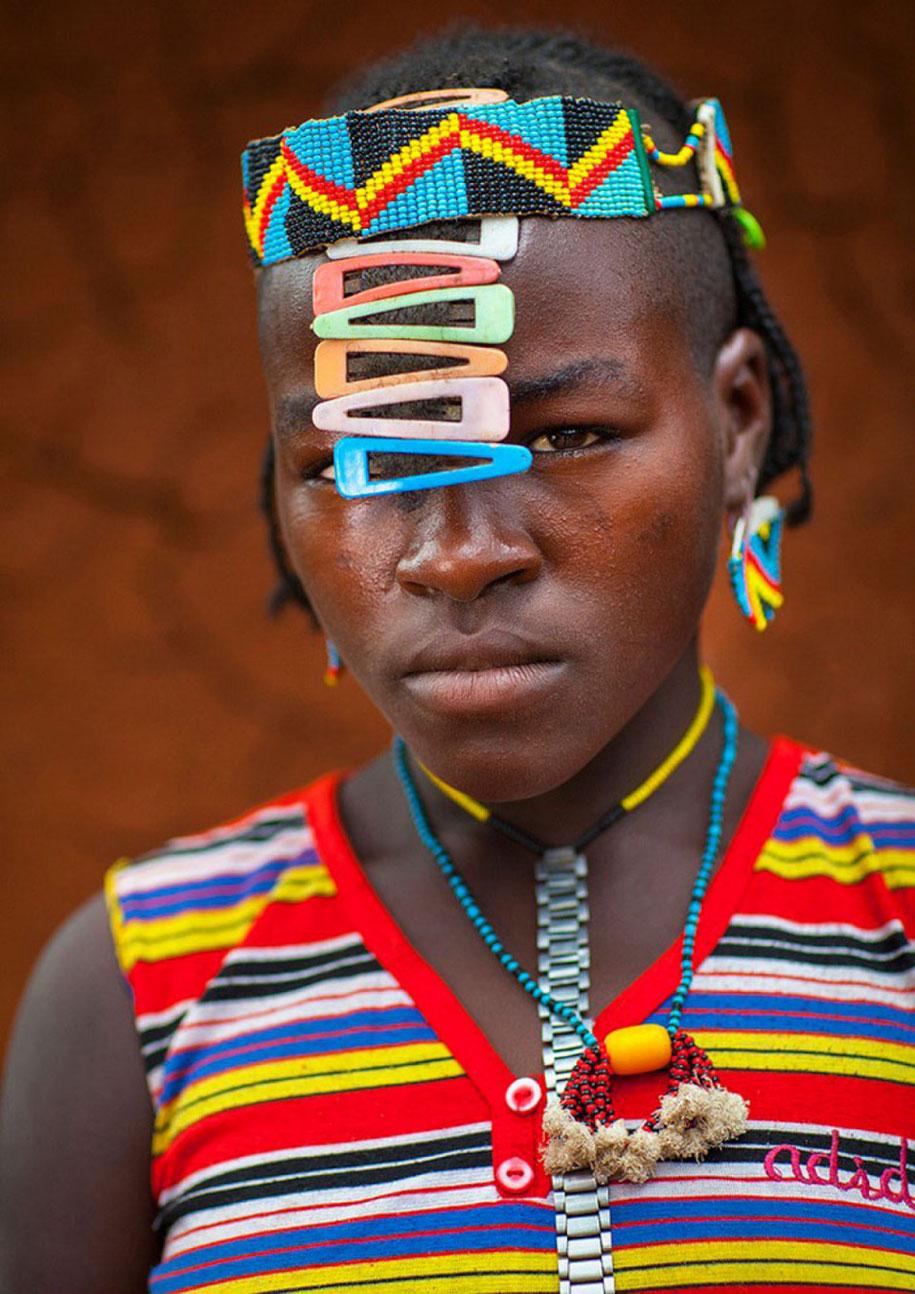 daasanach-tribe-recycled-headwear-eric-lafforgue-ethiopia-g