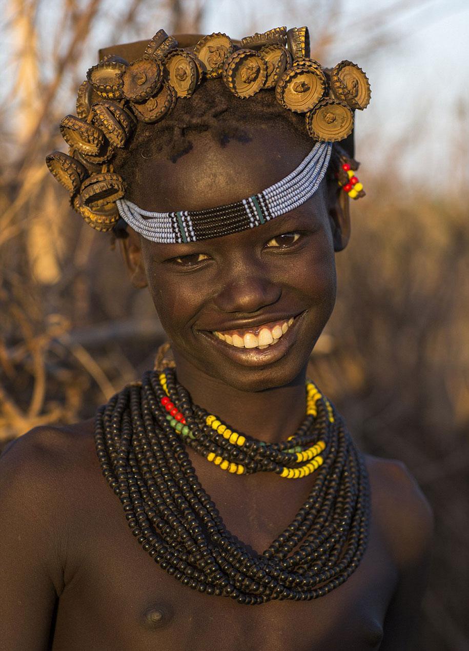 daasanach-tribe-recycled-headwear-eric-lafforgue-ethiopia-k