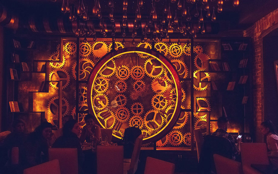 kinetick-steampunk-bar-enigma-cafe-alexandru-tohotan-zoltan-zelenyak-romania-8