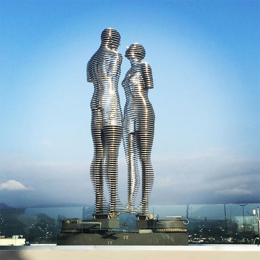 moving-metal-statue-ali-nino-love-tamara-kvesitadze-georgia-2