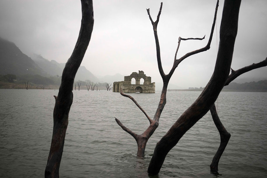 submerged-church-emergence-temple-santiago-quechula-mexico-3